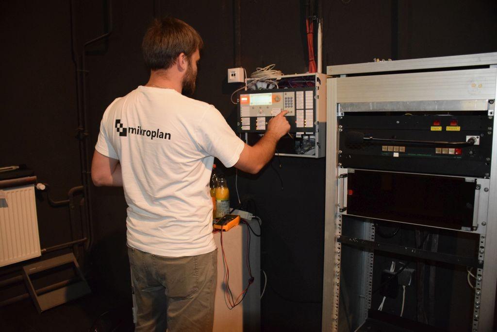 Siemens Cerberus tűzjelző rendszer beüzemelése a szekszárdi Magyarországi Német Színházban (DBU)
